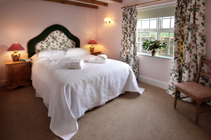 Double Bedroom, Oystershell Cottage, Northumberland