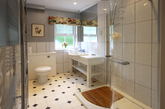 Bathroom, Sandpiper Cottage, Outchester & Ross Farm Cottages, Northumberland