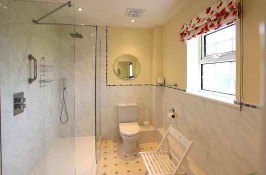 Bathroom, Shepherd's Cottage, Outchester & Ross Farm Cottages, Northumberland